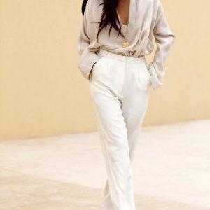 bele-hlace-z-bluzo